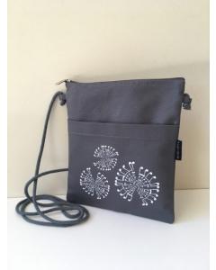 Crossbody taske med nodemotiv